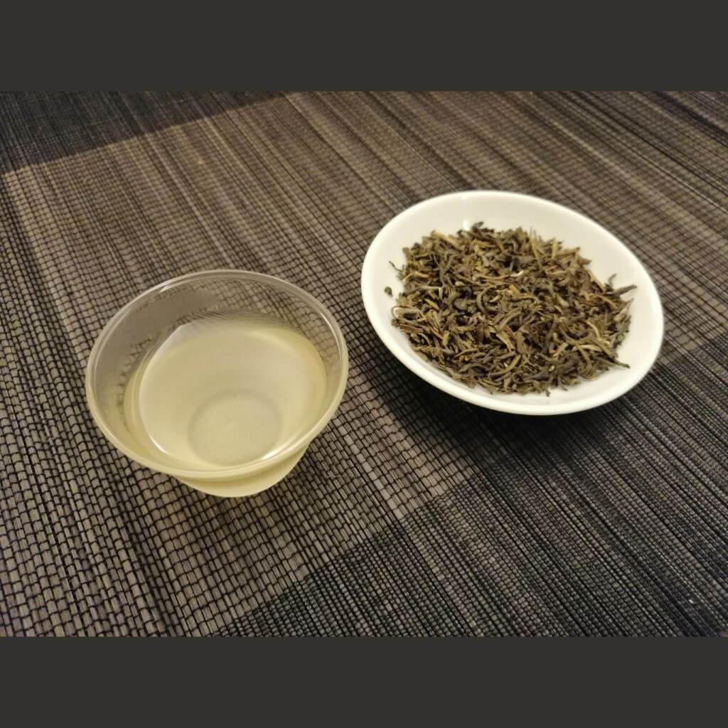 Té verde aroma de jazmín 2019 infusión taza hebras secas