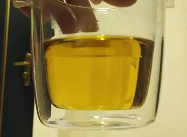 cata de DaHongPao, líquido últimas infusiones