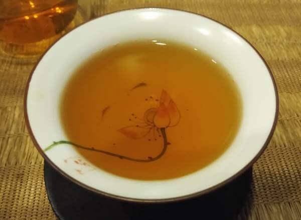 cata de DaHongPao, líquido