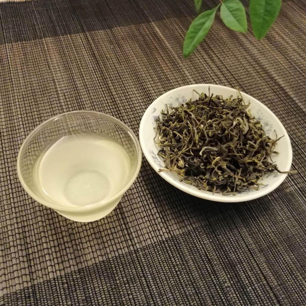 Té verde amanecer 2019 licor cristal y hebras secas