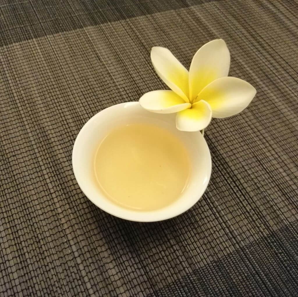 Té oolong chocolate dongding licor con flor 2