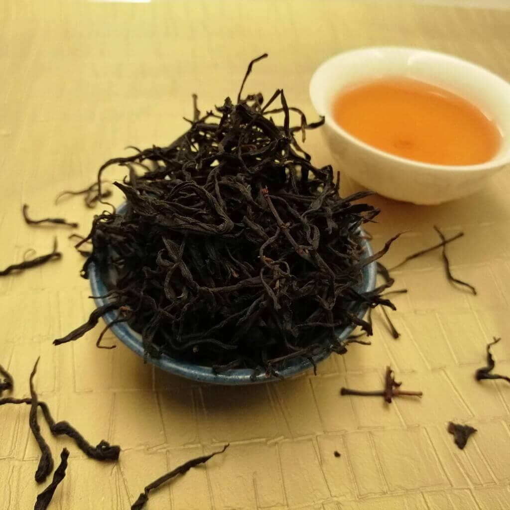 Té negro Nuevo Atardecer hoja en seco y licor